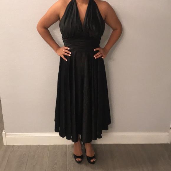 Aspeed Dresses Marilyn Monroe Inspired Black Halter Top Dress